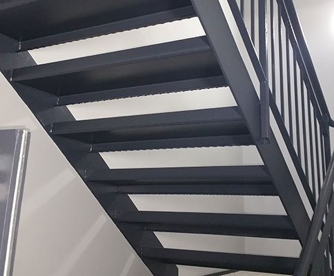 bespoke-steel-staircases-worcestershire